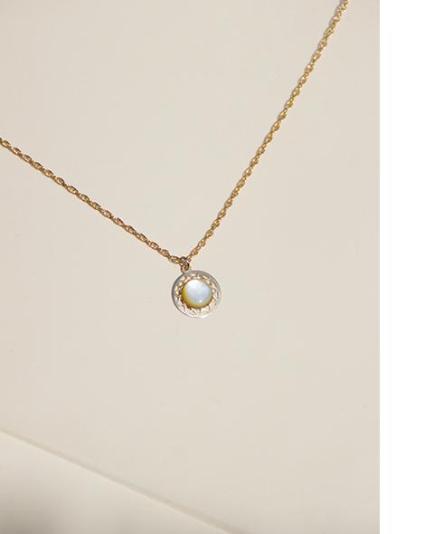 mop-pendant-necklace-1